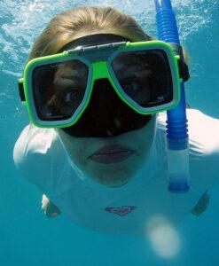 Free diving snorkeler