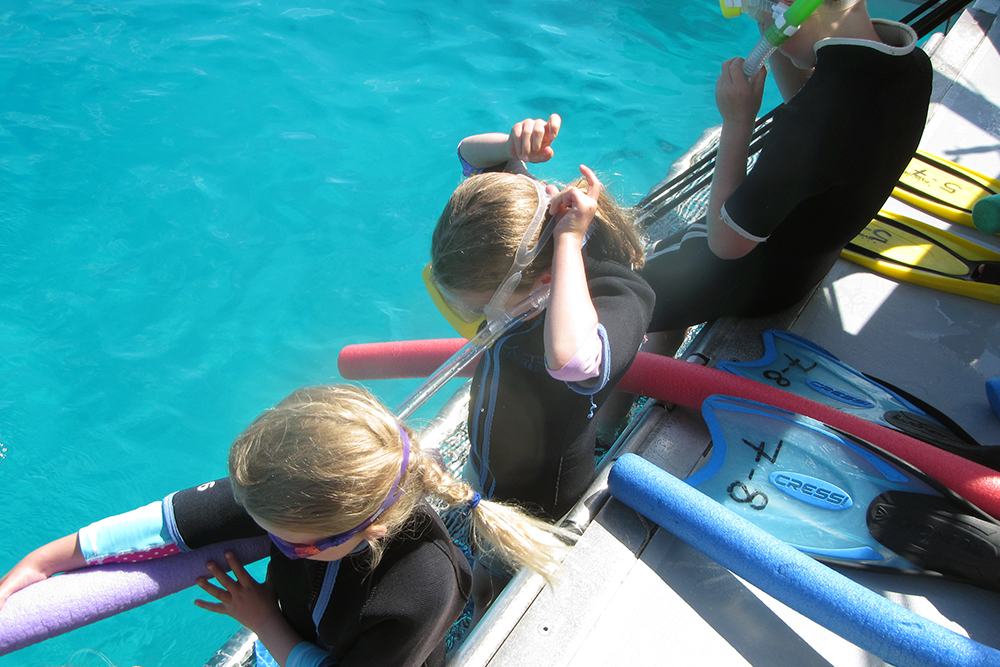Snorkel boat duck-board